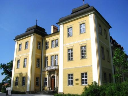 Pałac Łomnica.