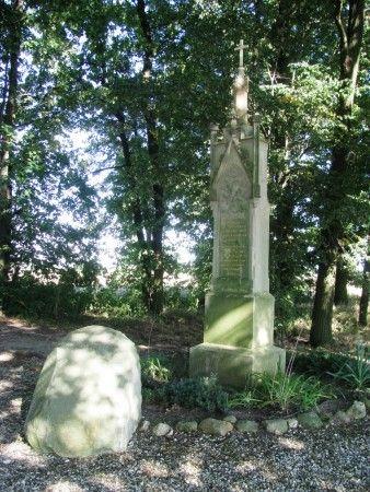 Pomnik w Twardocicach.